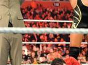 Michael Cole obtient combat Wrestlemania