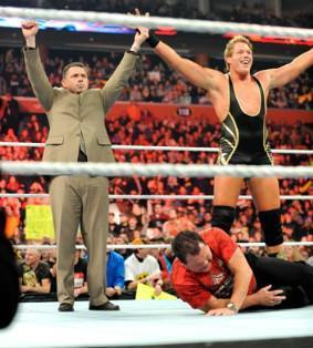 Le commentateur de Raw Michael Cole obtient un combat face à Jerry Lawler à Wrestlemania 27