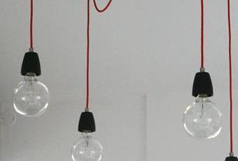 quand de simples ampoules deviennent des luminaires design lire. Black Bedroom Furniture Sets. Home Design Ideas