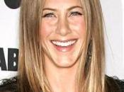 Jennifer Anniston chanter