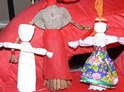 Louise fabrique poupées
