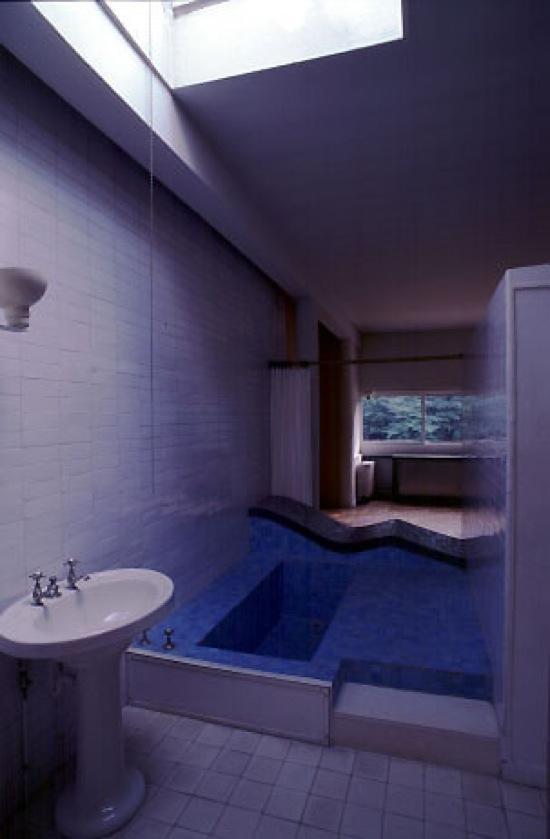 La maison du jeudi villa savoye le corbusier paperblog - Salle de bain villa savoye ...
