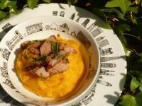 Travers de porc à la sauge sur purée de panais et carottes