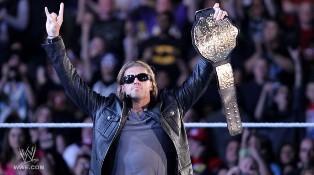 La Rated R Superstar quitte la WWE suite à une blessure