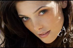 Ashley Greene (Alice Cullen) de Twilight nue