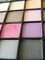 ELF : palette 32 couleurs a 6 euros et les pinceaux
