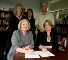 Les éditeurs indépendants du Québec se regroupent – Création de l'Alliance québécoise des éditeurs indépendants (AQÉI)