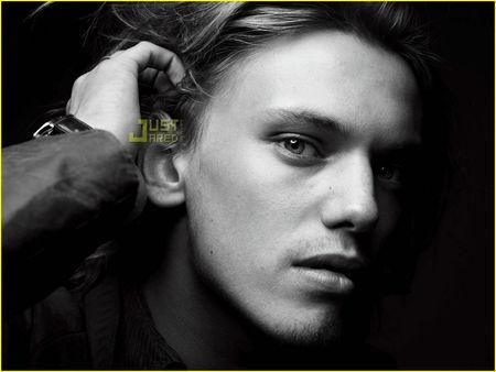 shadow_hunter_la_cit__des_t_n_bres_jamie_campbell_bower