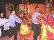 Keiko Fujimori Hugo Chavez font danse canards ensemble