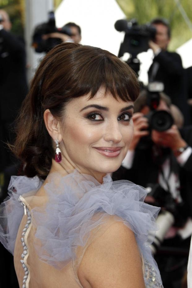 Penelope_Cruz_with_Chopard_jewels04P