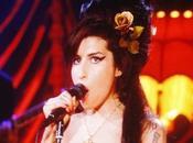 Grammy Awards Winehouse rafle tout