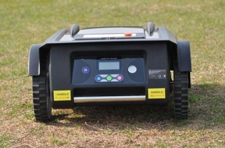 Le robot tondeuse EZIGREEN classic en image