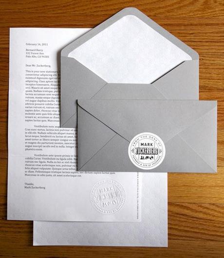 Et oui, le patron de Facebook qui est au forum e-G8 a aussi du papier à lettres !
