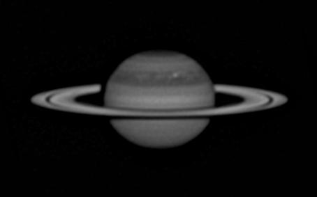 Rotation de Saturne et tempête