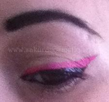 Make Up : liner noir et bouche rose