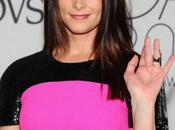 Ashley Greene magnifique rose fuchsia noir