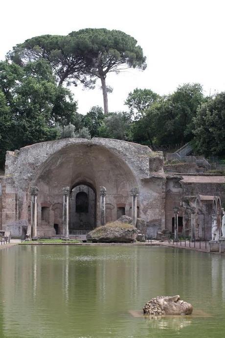 Le Canope : bassin représentant le canal antique qui reliait Alexandrie et la ville de Canope