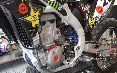 Au coeur du team Bud Racing