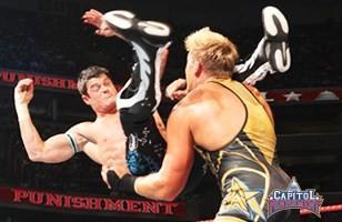 Jack Swagger vaincu par Evan Bourne lors de Capitol Punishment 2011
