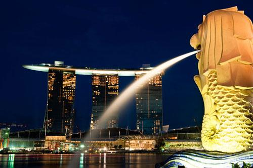 Marina-Bay-Sands-Singapour-vue-fontaine-hoosta-magazine-custom-carre