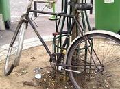 Vieux vélo villes vieux champs