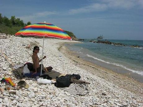 plage de galets à San Vito Chietino