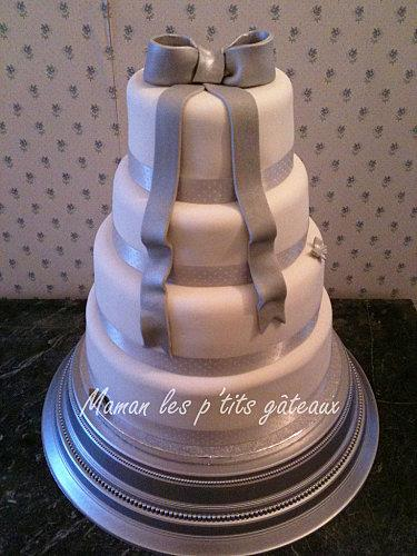 Wedding-cake-noeud-gris