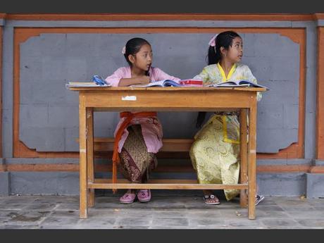 Des écolières à Bali, en Indonésie.