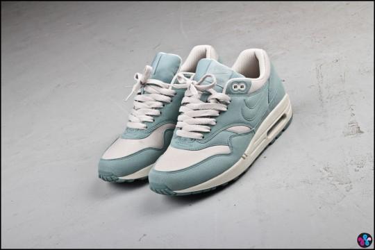 air max bleu clair