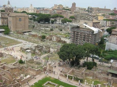 Forum Romanum, à droite un temple en cours de rénovation