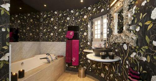 bath-room-hotel-The-Gate-House-france-limousin-hoosta-magazine-paris