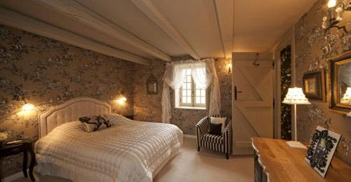 chambre-2-hotel-The-Gate-House-france-limousin-hoosta-magazine-paris