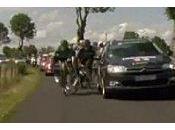 voiture France Télévision fauche coureurs Tour