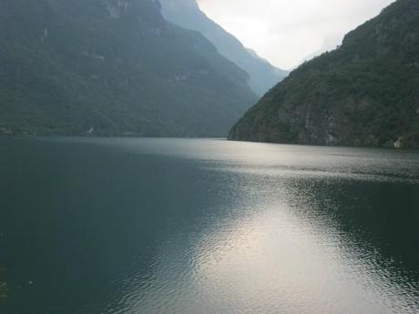 le jour arrive sur le lac de Mis!