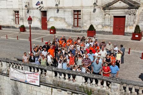 la photo de groupe du village