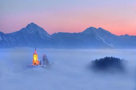 photo humour insolite chapelle nuage