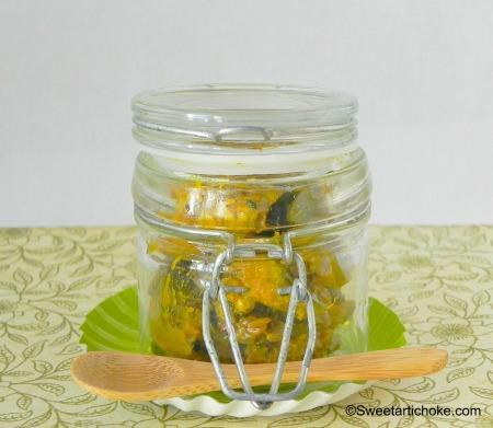 Punjabi Mango Pickles for the Indian Cooking Challenge – Pickles de mangue verte