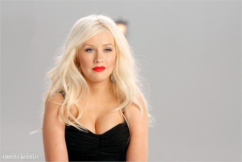 NOUVELLES PRESTATIONS : CHRISTINA AGUILERA – RED ROCK CONCERT