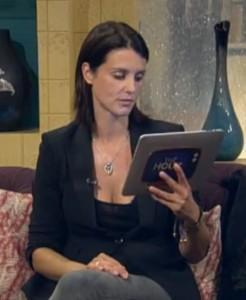 Ce qu'il faut retenir d'un chat vidéo avec Heather Peace? Ses mains