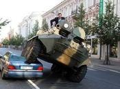 maire combat parking sauvage avec tank