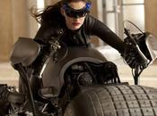 Anne Hathaway Catwoman premières images