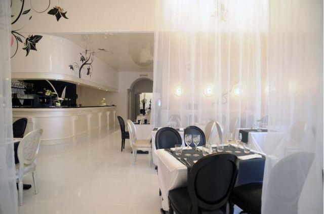 deco baroque finest chambre baroque u dco baroque dans la chambre coucher with deco baroque. Black Bedroom Furniture Sets. Home Design Ideas