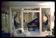 graceland entrance piano