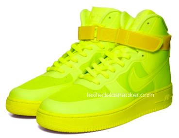 nike air force 1 high hyperfuse 4 Nike Air Force 1 High Hyperfuse Volt, Solar Red & Blue Glow dispos