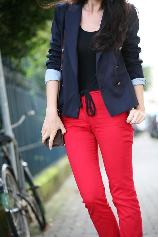 look pantalon rouge Red pepper look