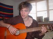 Robert Pattinson coeur main