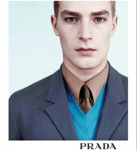 image 4 620x682 Le costume cravate en entreprise : Décryptage d'un dress code