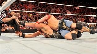 John Cena remporte le eight man tag team match du raw du 05/09/2011