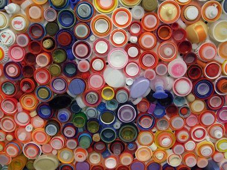 Extrem Recyclons les bouchons des bouteilles en plastique - Paperblog CW86