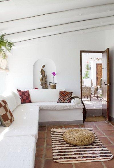 une maison de campagne chic et chaleureuse en espagne lire. Black Bedroom Furniture Sets. Home Design Ideas